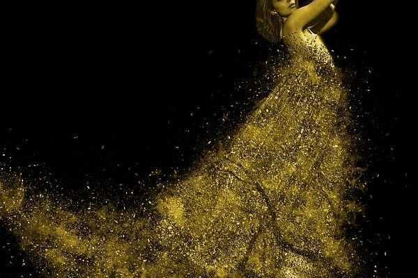 oro en el cuerpo