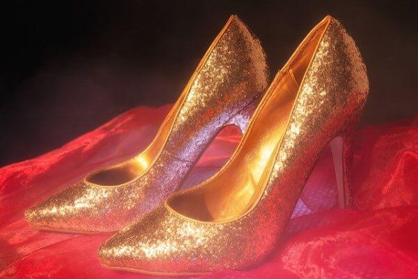 zapatos de oro